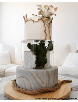 etage-transparent-gateau-piece-montee